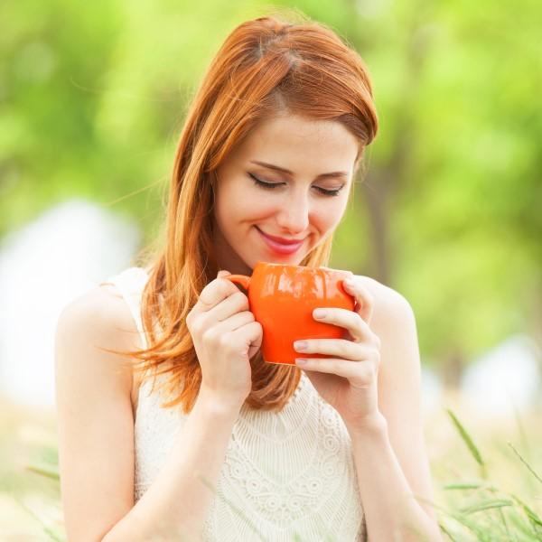 a274f39c72fe3da0_woman-drinking-tea.xxxlarge_2x (Custom)